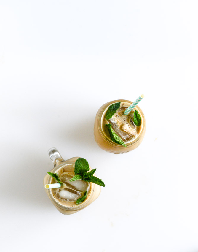 fresh-mint-iced-coffee-I-howsweeteats.com-3.jpg