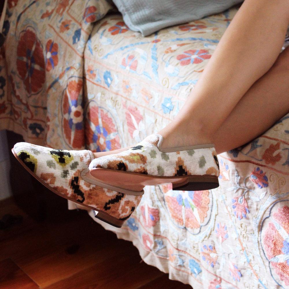 Velvet smoking shoe