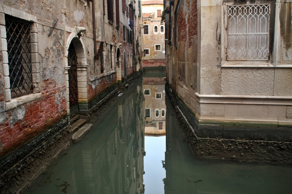 Canal with reflection.JPG