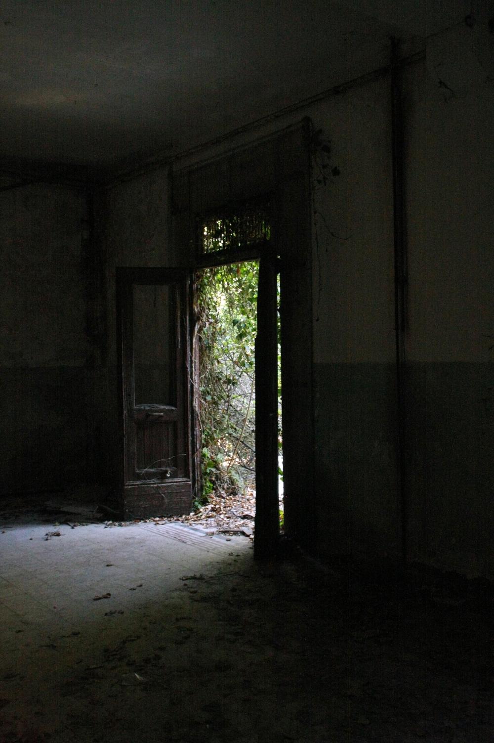 a doorway 3.JPG