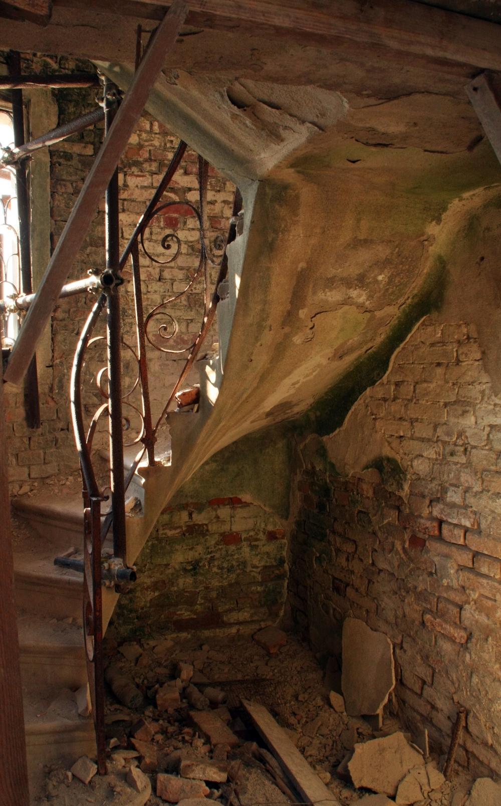 a stairwell.JPG