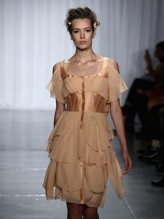 Fashion-Week-spring-summer-2014-6-Zac-Posen_072326.jpg