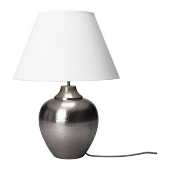 Silverfärgad bordslampa  med mjukt ljus, 599 kr Ikea.