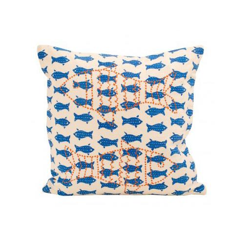 Söt kudde med fiskmotiv,  375 kr.