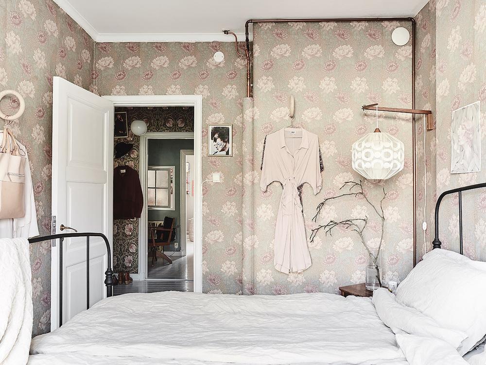 Sovrum i skirt rosa.