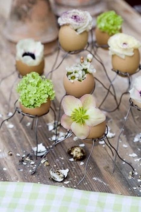 """Äggskal med """"fyllning"""" av blomster i gröna toner. Foto: Pinterest"""