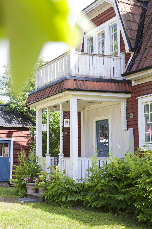 Lenas och Mikaels hus börjar få tillbaka sitt vackra yttre.