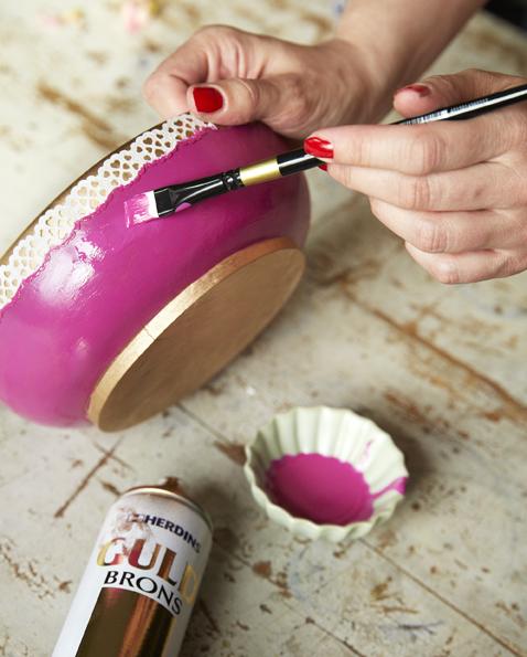 En vanlig skål blir superfin med lite färglyft.