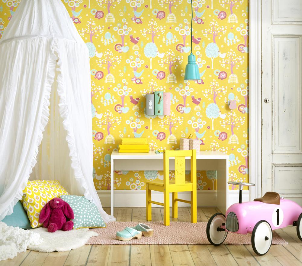 Ett barnrum i färgglad stil.