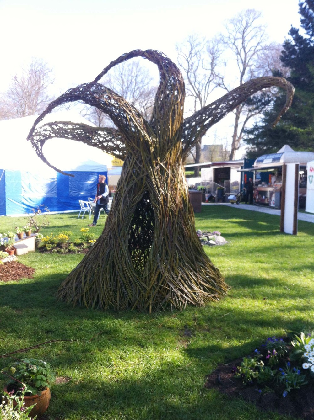 Mel makes many sculptures of dried and living willow for children's playgrounds and gardens.
