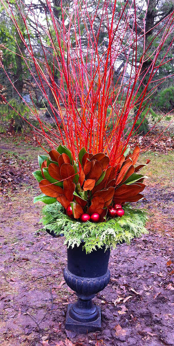 Flame willow glows a deep orange-red and is the perfect match with copper coloured magnolia and cedar. A custom design by The Branch Ranch.