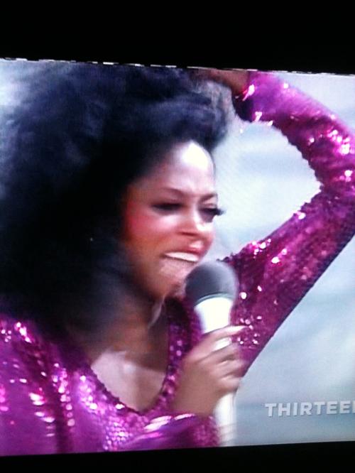 Diana Ross still sings during a rain storm