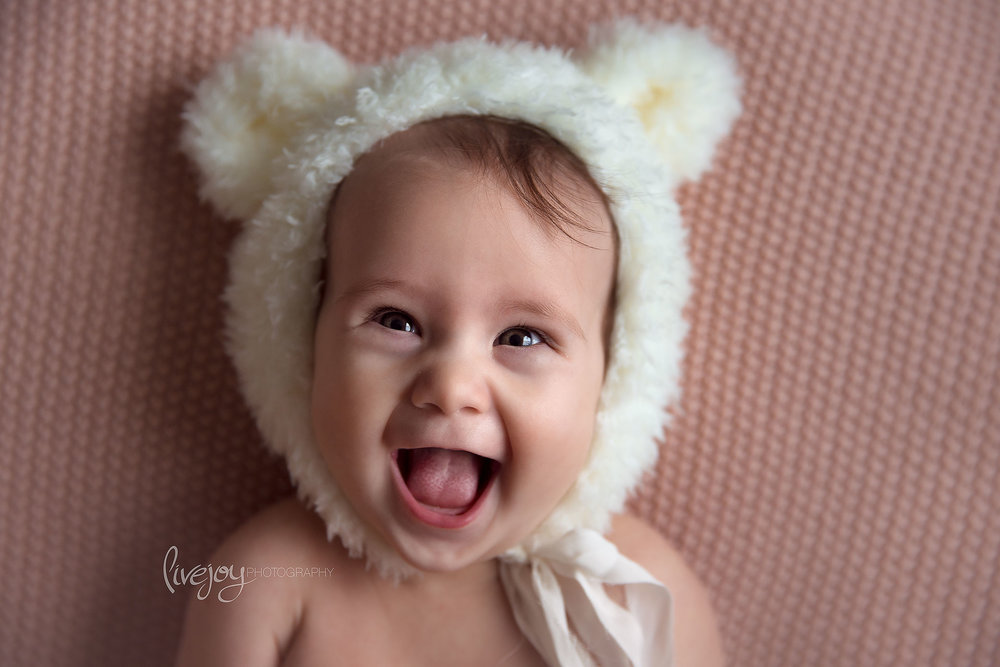 Bear Hat Baby Girl Photography | Oregon | LiveJoy Photography