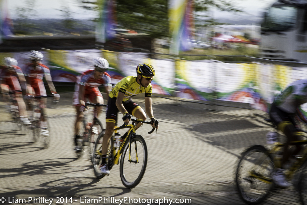 MTN - Jacques Van Rensurg - yellow jersey respect at crit_.jpg