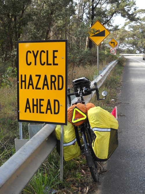 0621+-+on+road+to+katoomba+-+mount+victoria+climb+and+cycle+hazard+sign.jpg