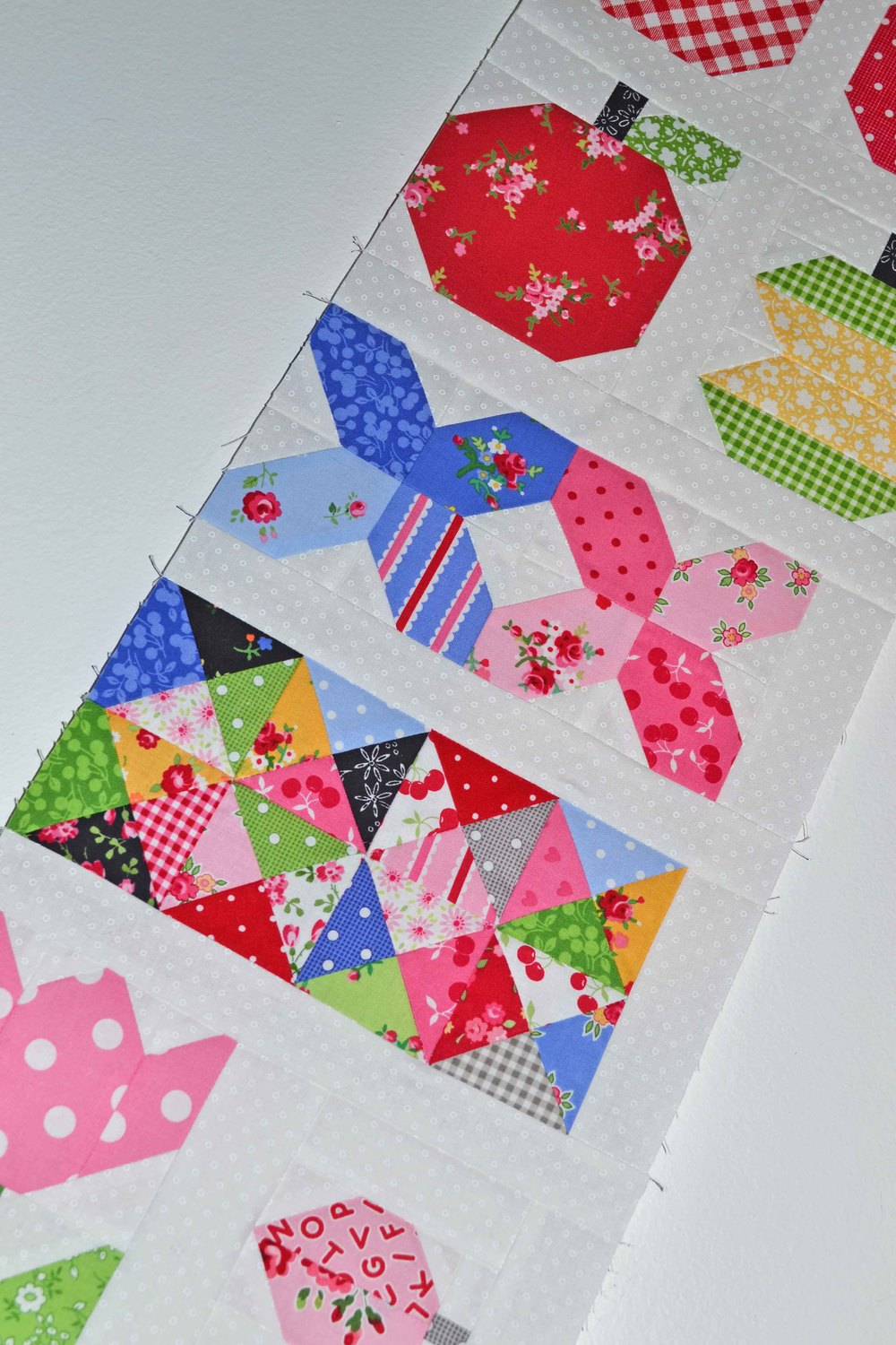 quilty fun left row 012.JPG
