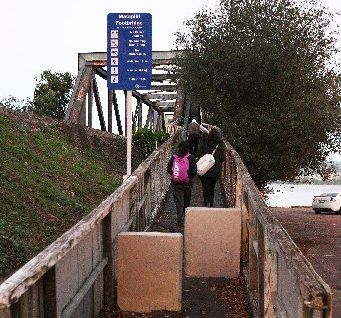 'DANGER': Matapihi footbridge carries 500 people daily.