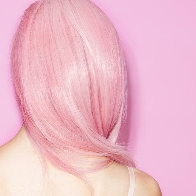 @allure has shared some big news - @pretebeauty is now offering colored blowouts. For the first time ever, you can add color to your blowout. Book now through the PRÊTE app! PS - for the month of October, all proceeds from Rose Gold Blowouts will be donated to @susangkomen to help breast cancer awareness. #ReadyPRETEGo