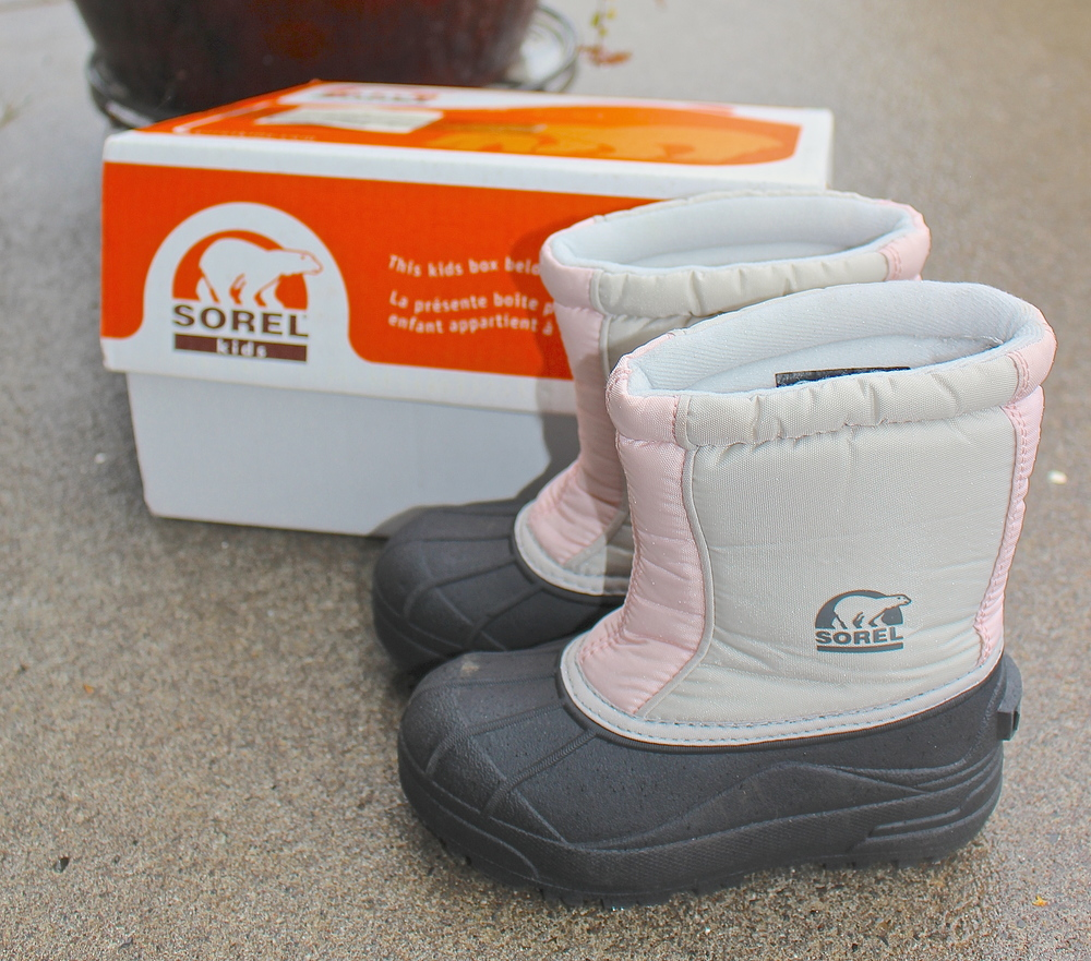 Sorel girls' snowboots from resale