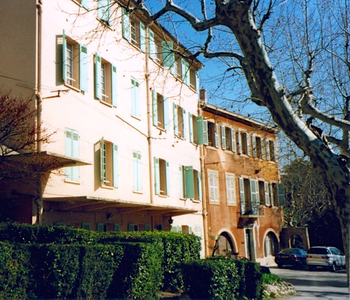 The dorms and housing at the Fac de Théologie in Aix-en-Provence