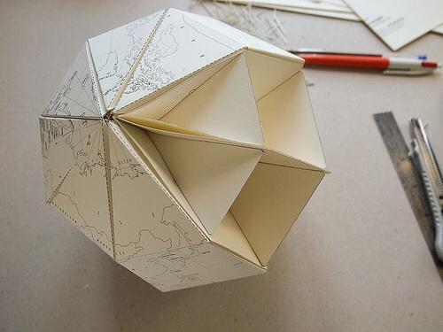 Le paper globe by  Joachim Robert
