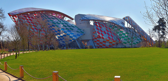 Fondation Louis Vuitton photo by  DHEdwards