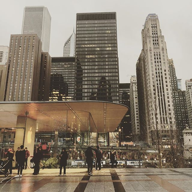 December in Chicago... a little cold and a little grey. #architecture #applestore #skyline #chicagoriver #wander #december #chicago #weekend #lookup #cityscape #grey #city #sunday #rainy  #michiganavenue