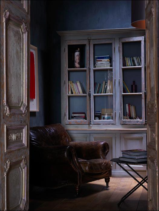 The living room at Place Vieilles Halles Aux Blés.jpg