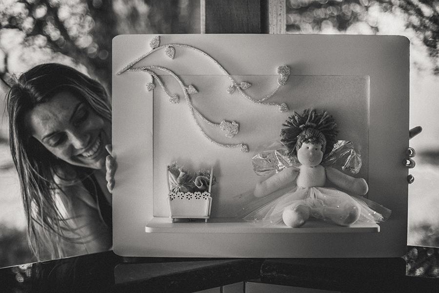 A foto acima é com a artista Cristiane Mastelli, mas o Atelier Sapoti também conta com os talentos de Elisandra Maldonado Bonfim, Katia Marinho e André Ferreira Bonfim.