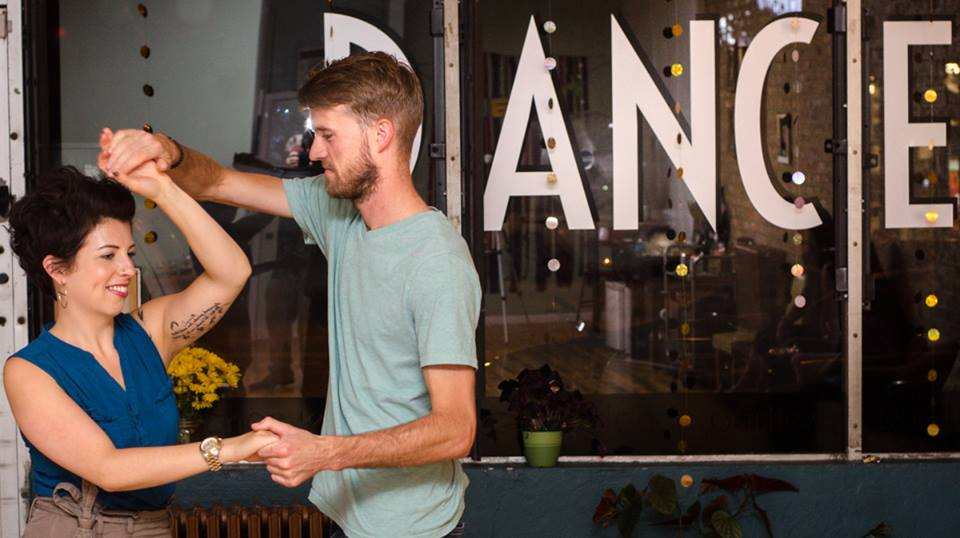 Couple dance lessons at Duet Dance Studio. Photo by Jeff Callen.