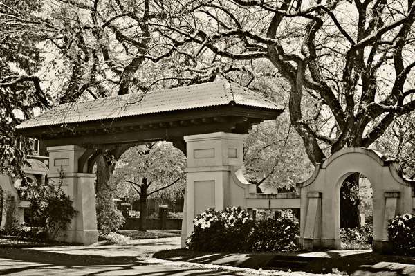 Franklin Gate1875.jpg