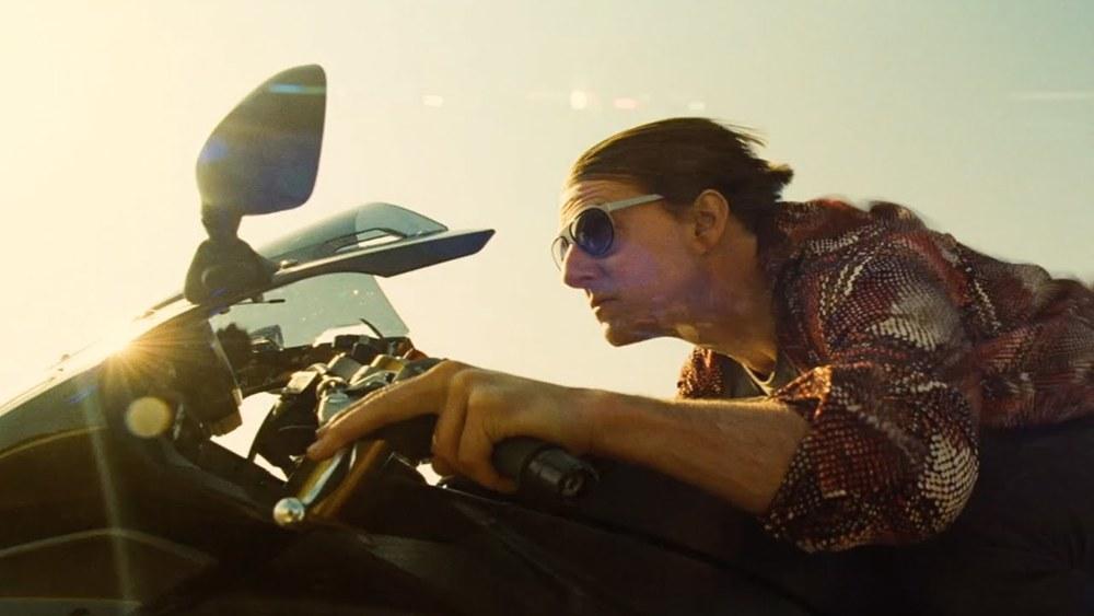 Motorcycle go fast! Vrooom vrooom!