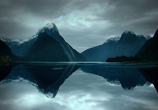 oix :      MILFORD SOUND, NEW ZEALAND  by  Ericka Jo  on Flickr.     hear, the sound