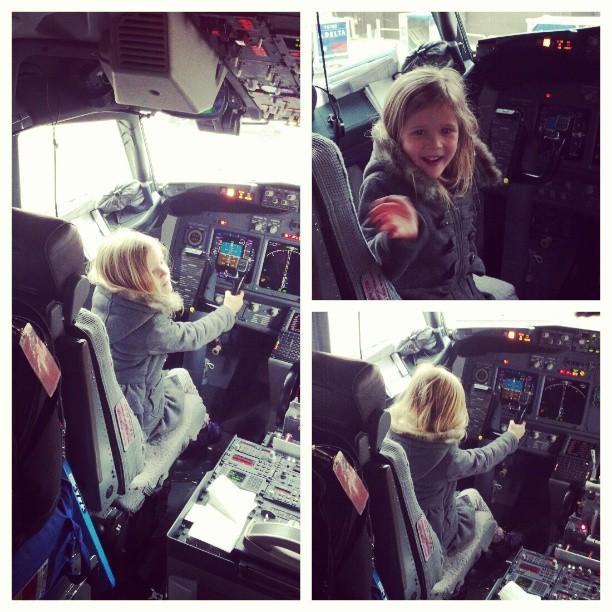 Pilot-pixie. Lyric in TOTAL control