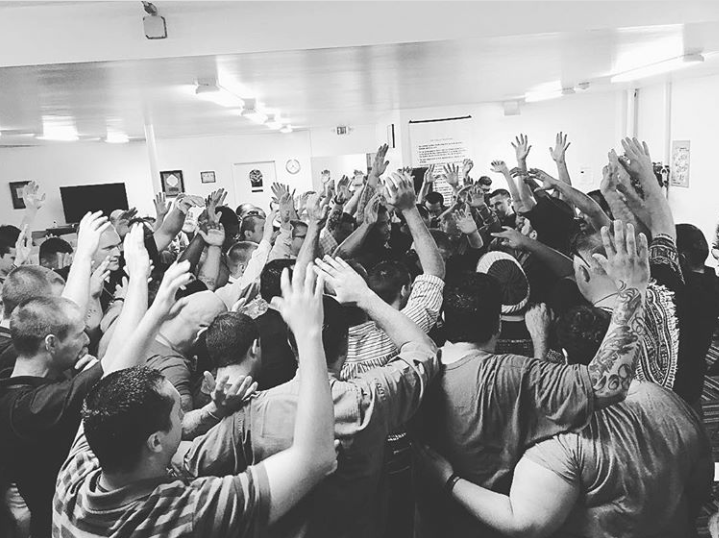 This photo represents the men in the Drug Rehab program of Salvation Army in Bakersfield, CA who all came forward during the prayer of salvation as Pastor Mark Mohr from @christafariband led them. Never get tired of spreading the Good News, it is what saves souls, and the trajectory of these men's lives is forever being changed.