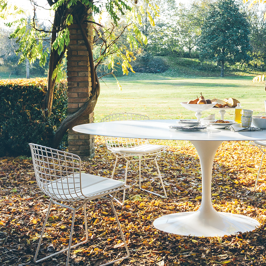 Table Saarinen outdoor  à partir  de 3085€   2622€