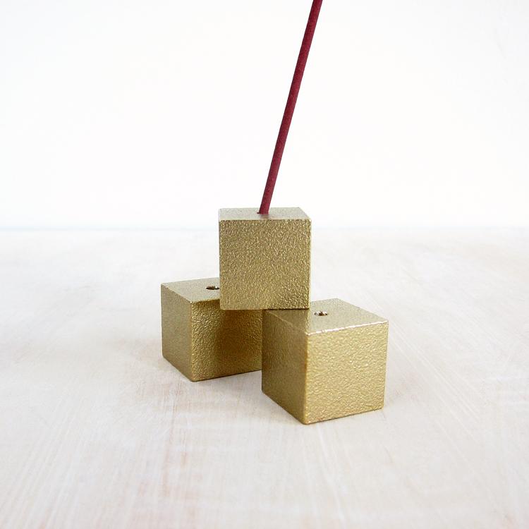 cubic_incense_holder-brass-1.jpg