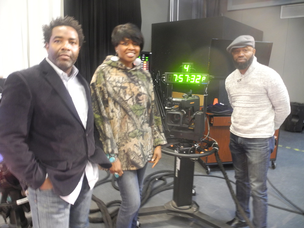 Manhattan Neighborhood Network; MNN, The Artist Forum, AFTV: Host Shelita Birchett Benash with artists: Anthony E. Boone and Noel Donaldson Out of Bounds: Freedom of Expression Exhibition 2015