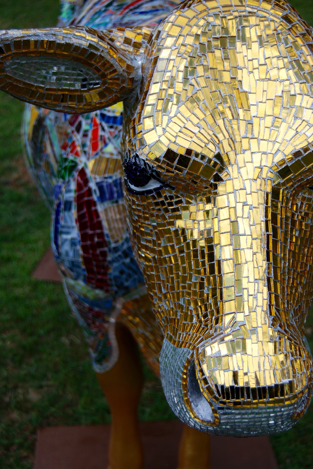 HOLY COW_ART GLASS MOSAIC SCULPTURE_SHELITA BIRCHETT BENASH