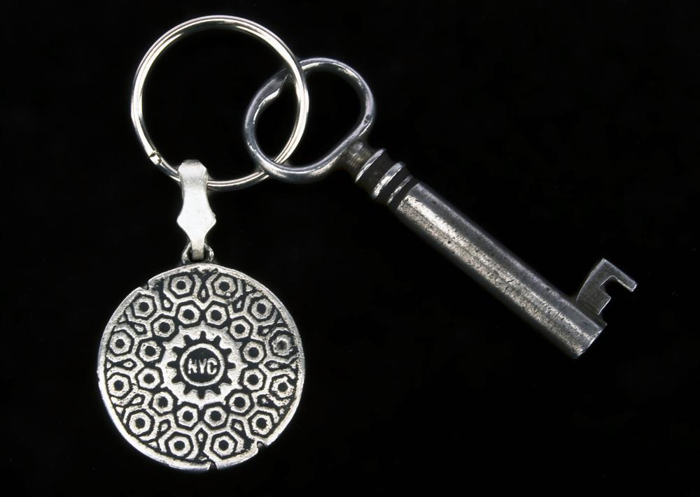 manhole cover_silver keychain&key.jpg