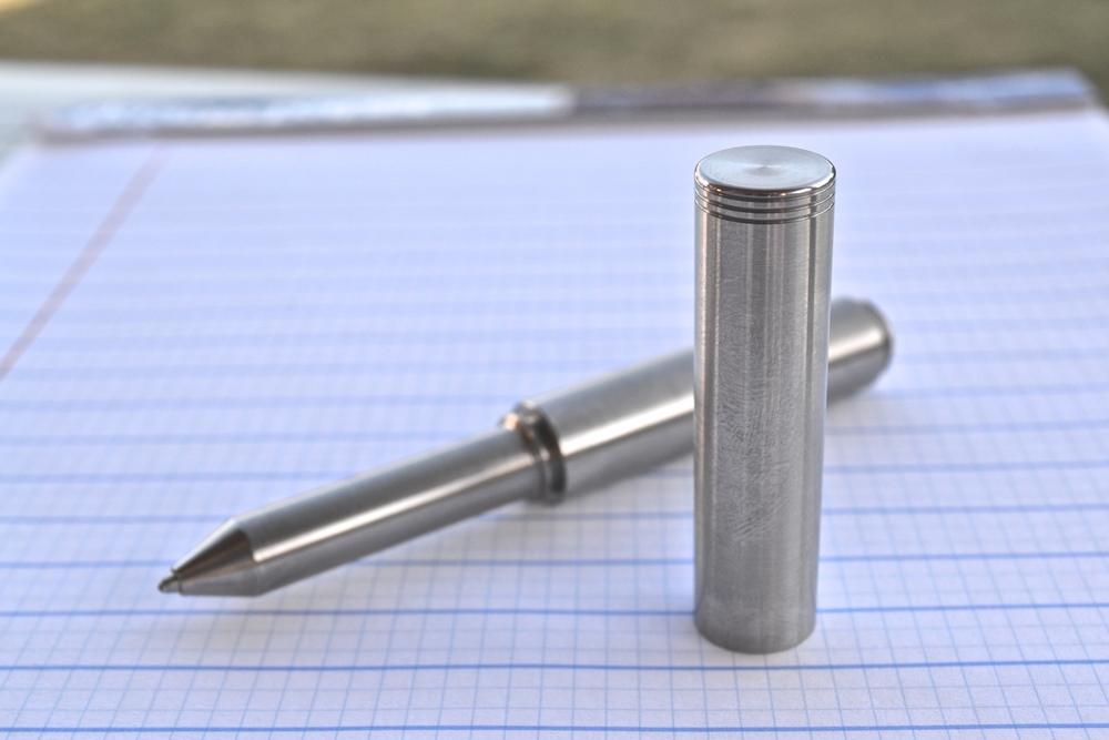 Schon DSGN Titanium Pen