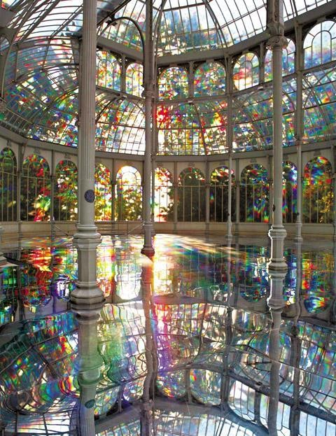 laowa :      api-erinw :     Crystal Palace-Madrid, Spain     Sometimes all I want to do is see the world.