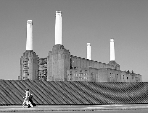 thiscitycalledearth: by Ian Howells, London. Thought this was some kind of house of worship until I read it's a power station.