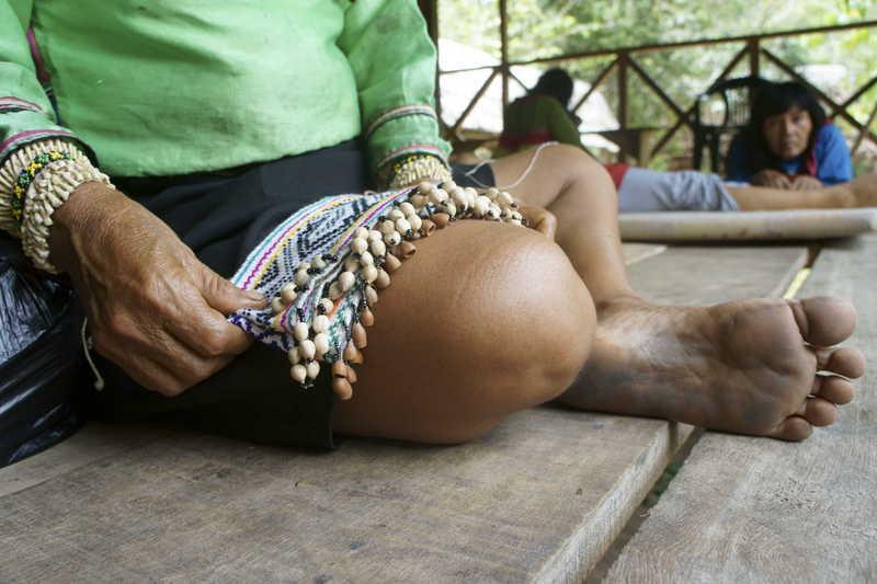 kneecloth.jpg