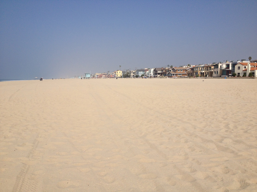 Manhattan Beach_Sand and houses.jpg