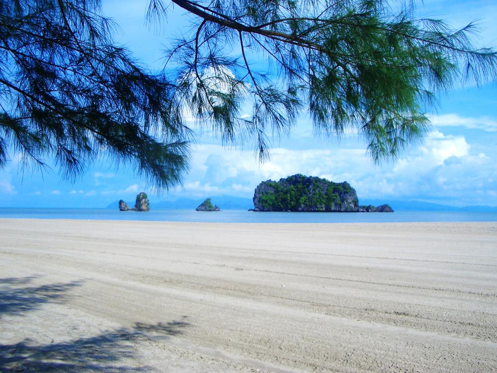 Langkawi beach.jpg