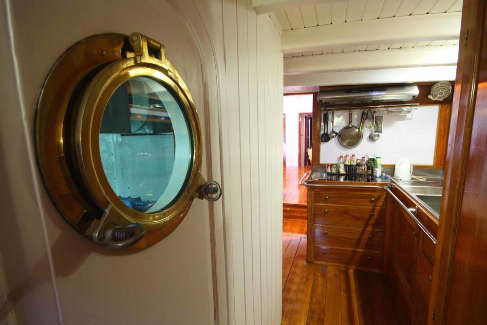 Yacht Charter Aventure Inside.jpg