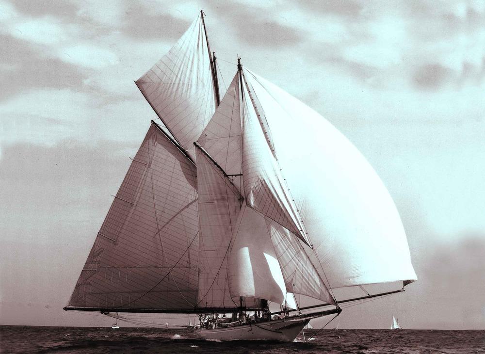Sunshine sailing, B/W 2