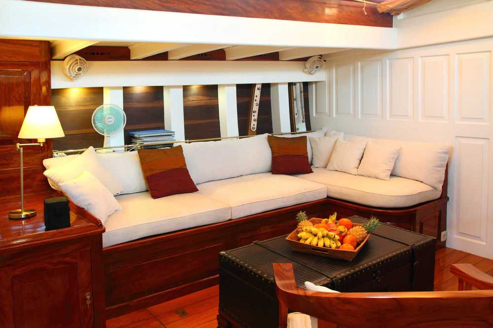 Lounge area on sailing yacht Aventure