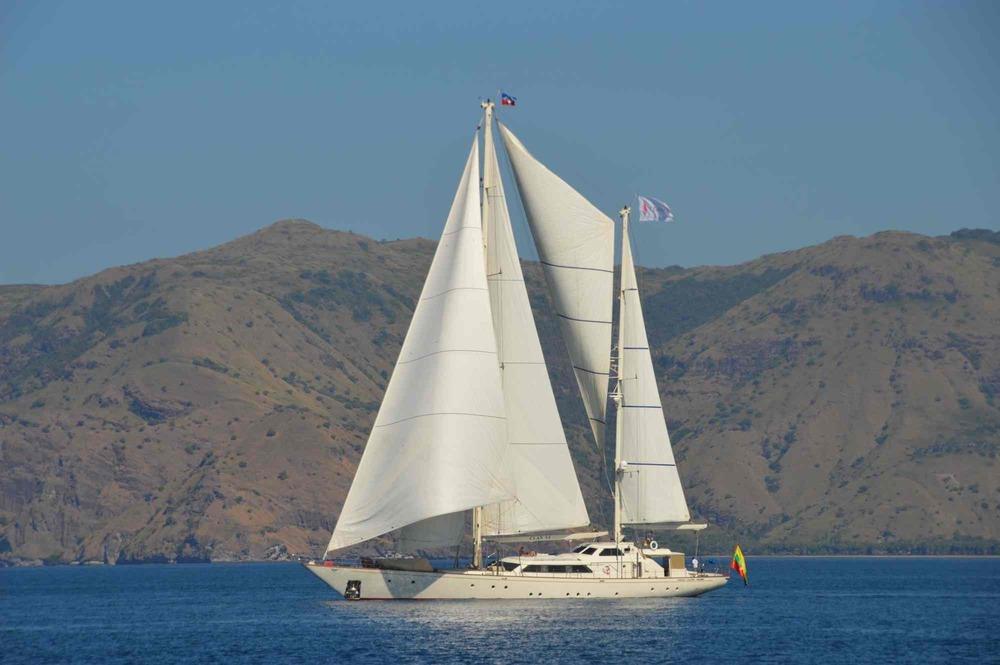 Clan VI_sailing on calm waters in Mergui_XS.jpeg